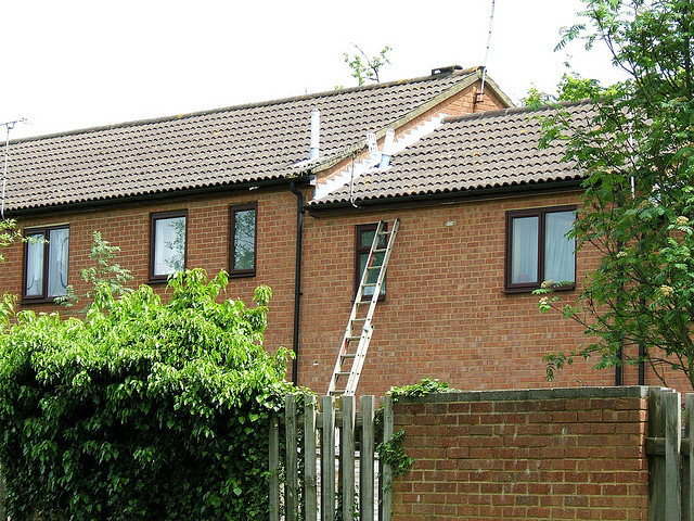 burglary-prevention-leaving-ladder