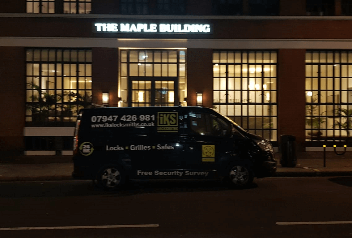 locksmiths costs at night time